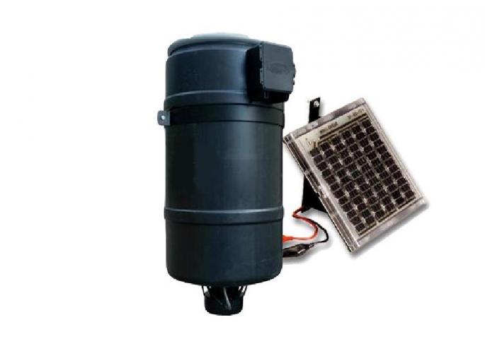 Automatic solar feeder