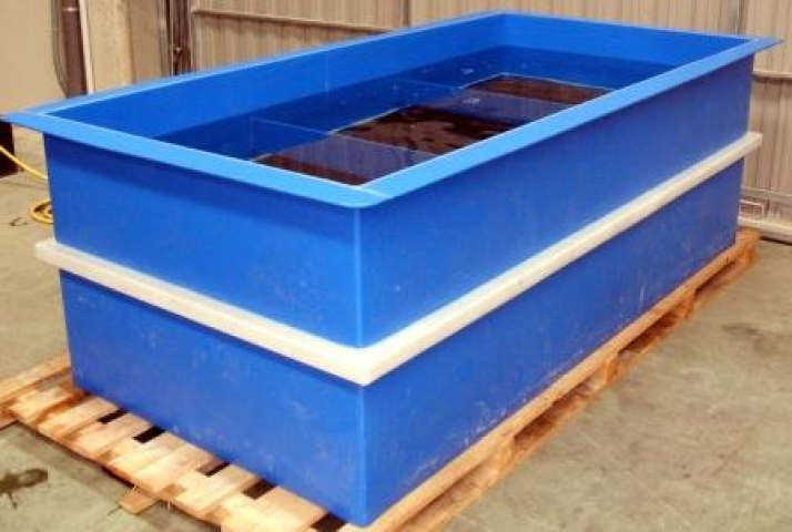 Tubs and containers for aquatic species